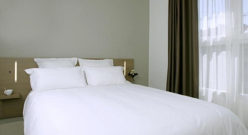 Hotel appart hotel quimper bretagne 3 toiles quimper for Apart hotel quimper