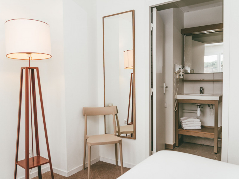 Hotel appart hotel quimper bretagne 3 estrellas quimper for Hotel appart bretagne