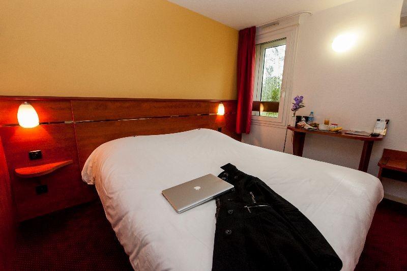 Hotel Brit Hotel Agen L Aquitaine 2  U00e9toiles