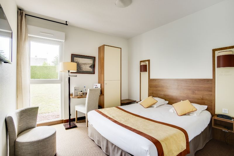 Book Hotels near Normandie Cottage