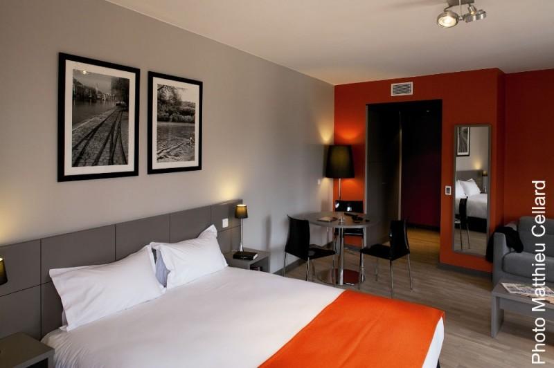 Hotel dock ouest 3 toiles lyon rh ne alpes rh ne for Hotels 3 etoiles lyon