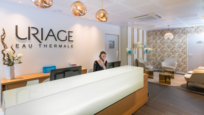 Hotel grand hotel uriage 4 estrellas uriage les bains for Hotels uriage