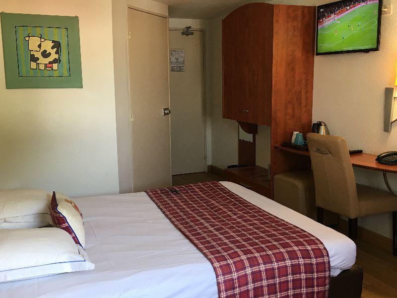hotel green hotels confort roissy 3 stars tremblay en france ile de france seine saint denis. Black Bedroom Furniture Sets. Home Design Ideas