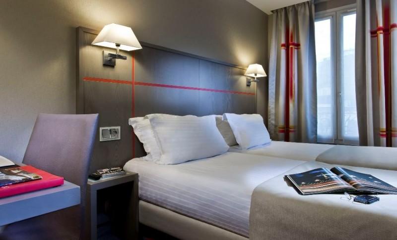 Hotel Paris Bewachter Parkplatz