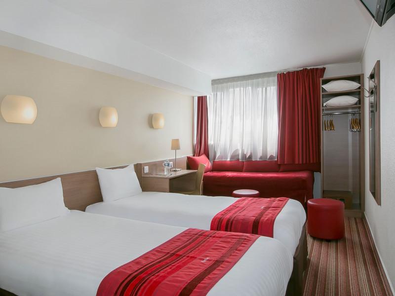 Hotel kyriad paris bercy village 3 stars paris ile de france paris - Cours saint emilion paris ...