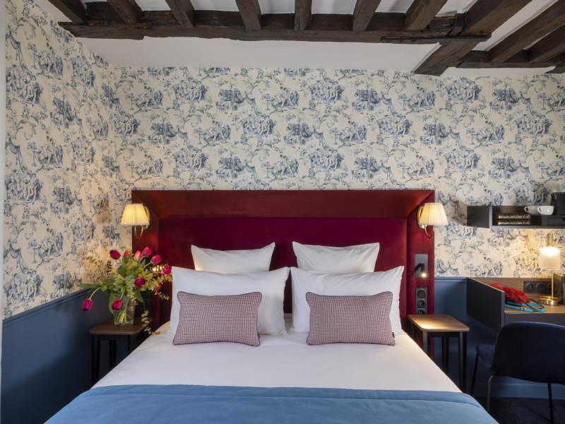 Hotel louis 2 4 toiles paris ile de france paris - Hotel paris chambre 5 personnes ...