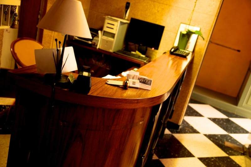 hotel moderne remoulins 2 233 toiles remoulins languedoc roussillon gard
