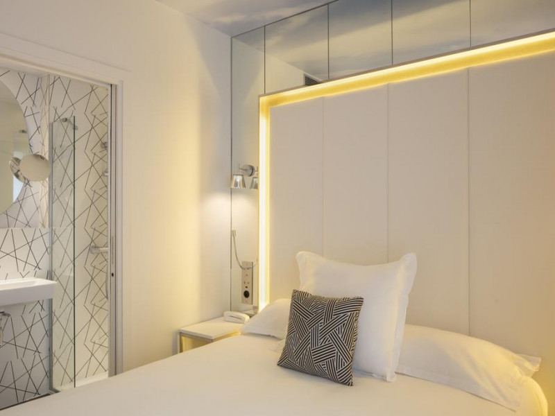 Hotel nouvel eiffel 3 toiles paris ile de france paris - Nouvel hotel paris 12 ...