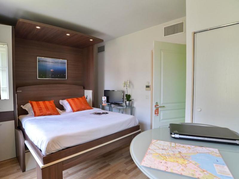 hotel privilodges le royal 3 toiles annecy rh ne alpes haute savoie. Black Bedroom Furniture Sets. Home Design Ideas
