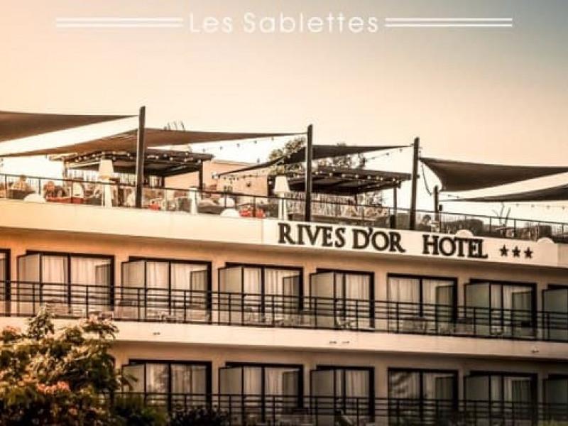 hotel rives d or 3 toiles la seyne sur mer provence alpes c te d 39 azur var. Black Bedroom Furniture Sets. Home Design Ideas